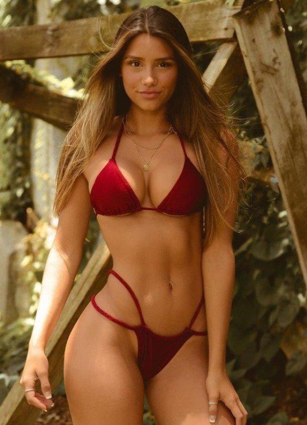 Gorgeous Bikini Girls (31 pics)