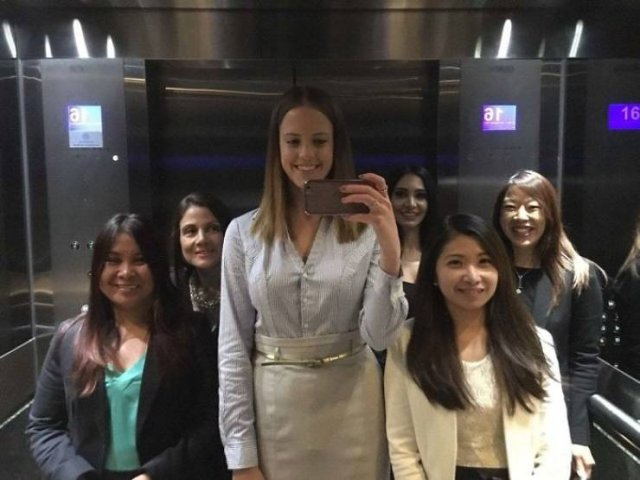 When Tall People Meet Short People (35 pics)