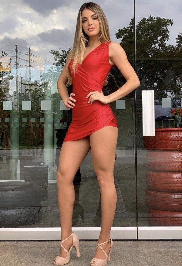 Hot Girls High Heels (32 pics)