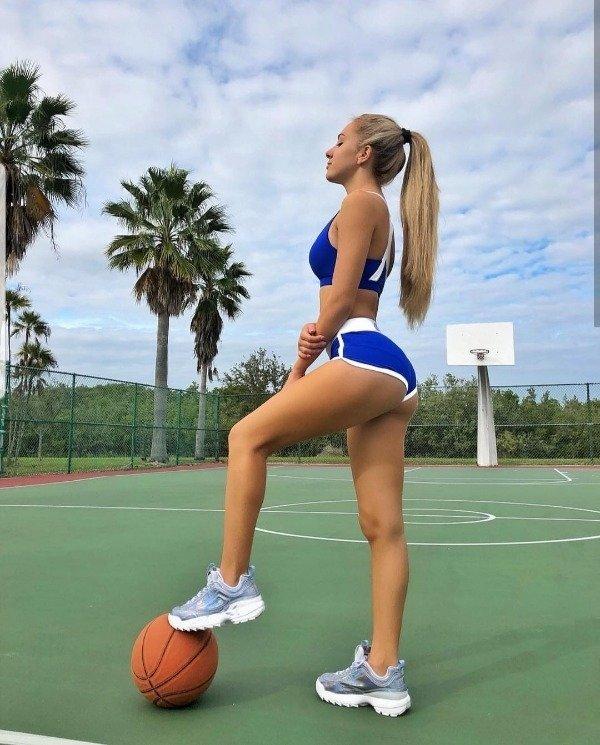 Hot Sport Fans (46 pics)