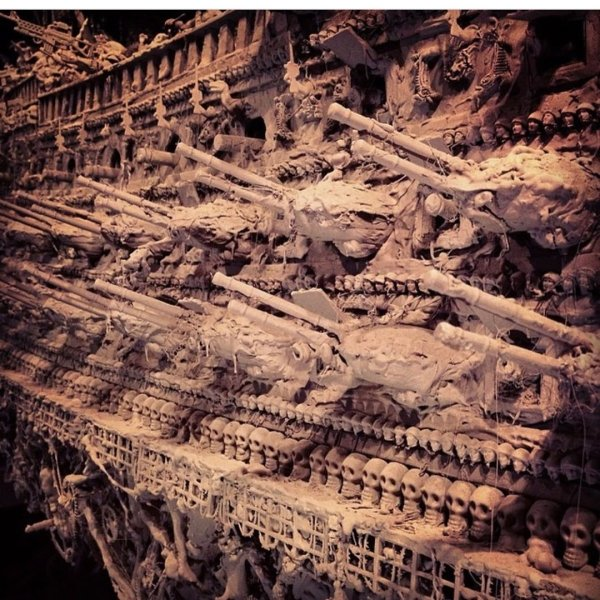 Guy Spends 14 Months To Build This Amazing Ghost Ship (22 pics)