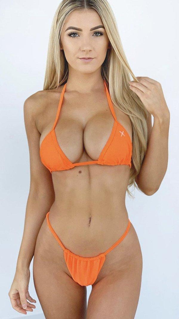 Hot Bikini Girls 32 Pics-2552
