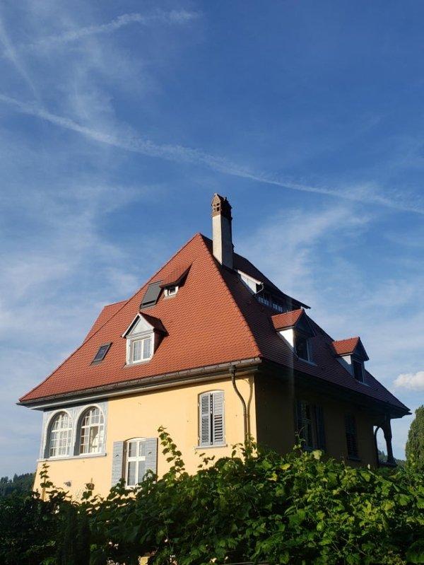 Interesting Airbnbs (27 pics)