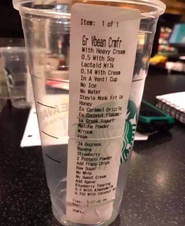 Crazy Starbucks Customers (19 pics)