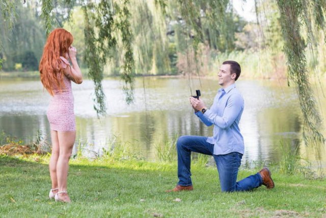 She Didn't Notice The Engagement Ring For Six Weeks (29 pics)