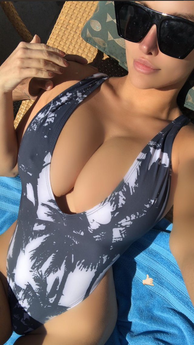 Lindsey Pelas Has More Than 9m Instagram Followers. Let's See Why (33 pics)