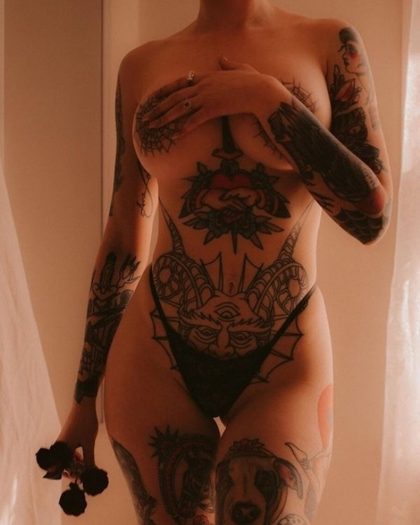 Tattooed Girls Are Special (58 pics)