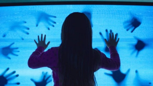 TOP 30 The Most Terrifying Films  (30 pics)