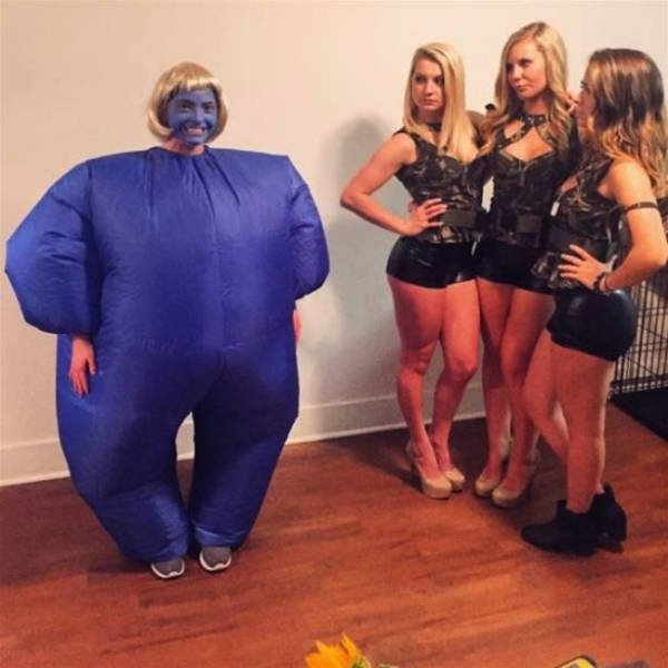 Two Types Of Halloween Costumes (29 pics)