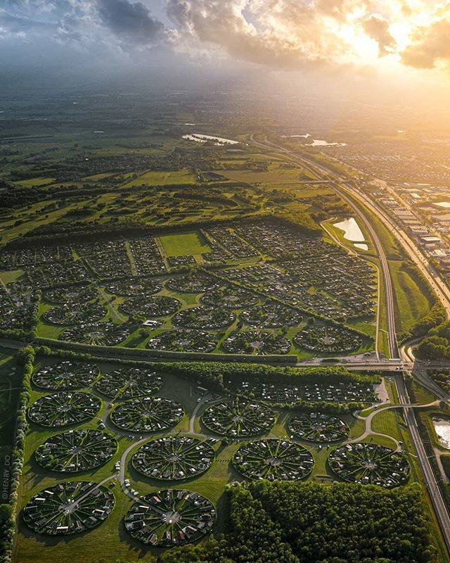 Brøndby Garden City Is An Alien-Made City In Denmark (7 pics)
