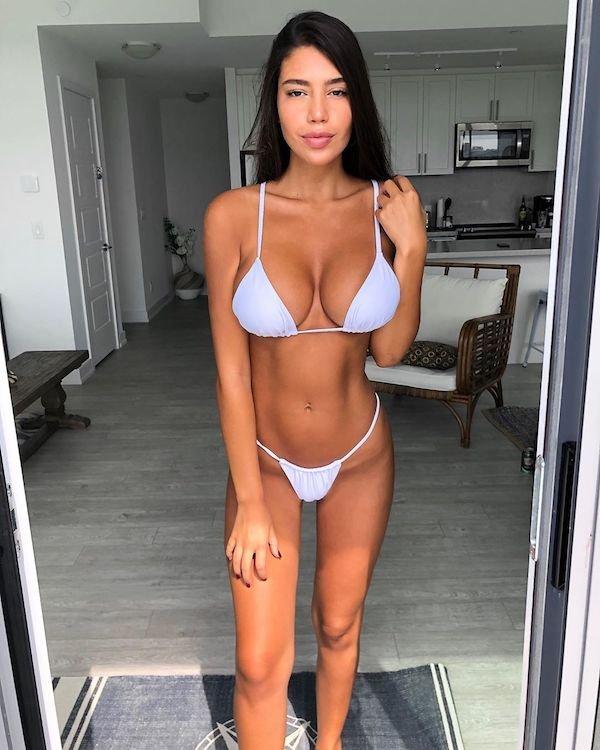 Hot Girls (31 pics)