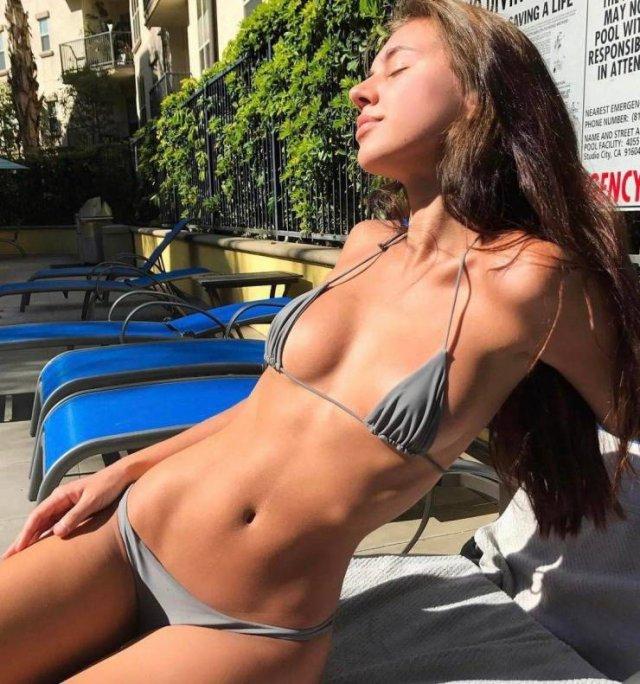 Girls In Bikini (55 pics)