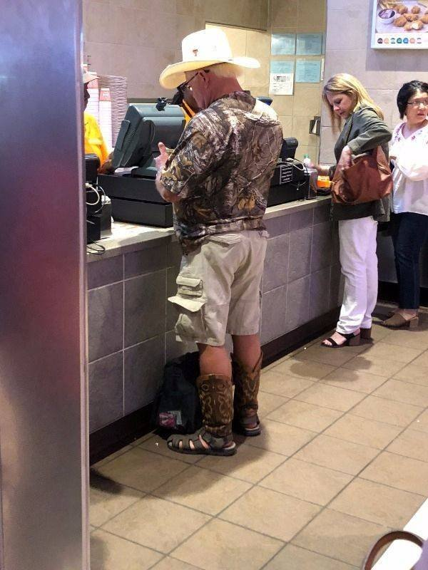 Welcome  To America! (23 pics)