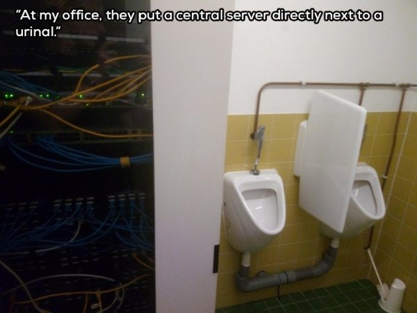 These Can Only Happen At Work (37 pics)