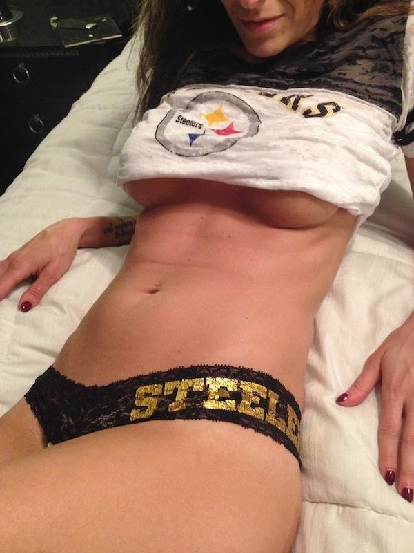 Girls & Sports (45 pics)