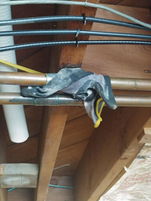 It's Not Easy To Be A Plumber (30 pics)