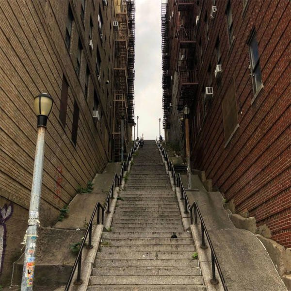 The Joker Stairs In The Bronx (17 pics)