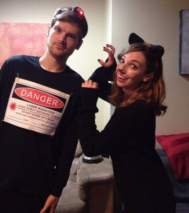 Couples Halloween Costumes (23 pics)