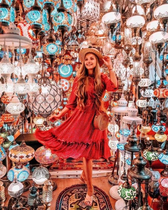 Tourist Sights On Instagram Vs Reality (22 pics)