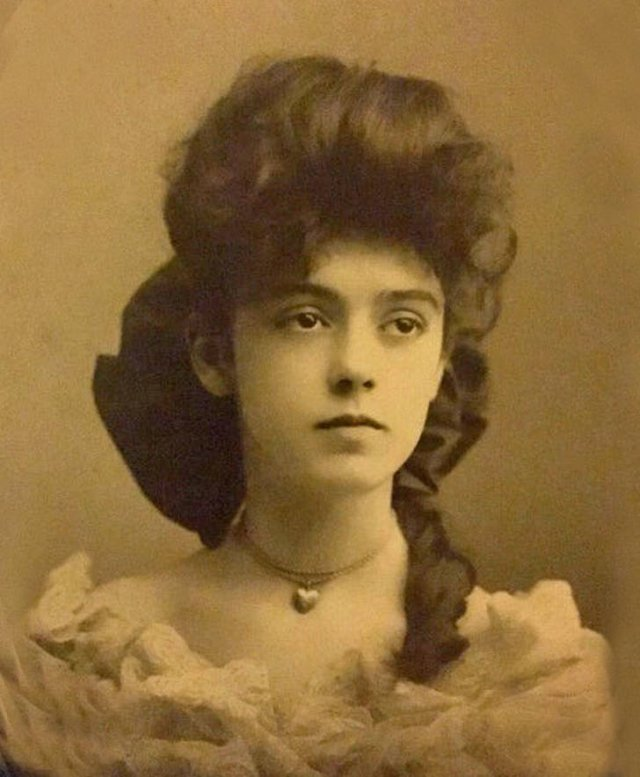 Vintage Photos Of Beautiful People (23 pics)