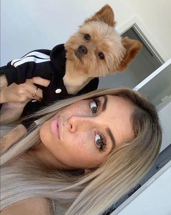 Girls & Puppies (32 pics)
