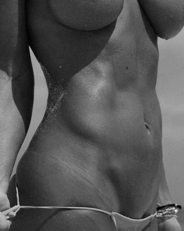 Beach Girls (41 pics)
