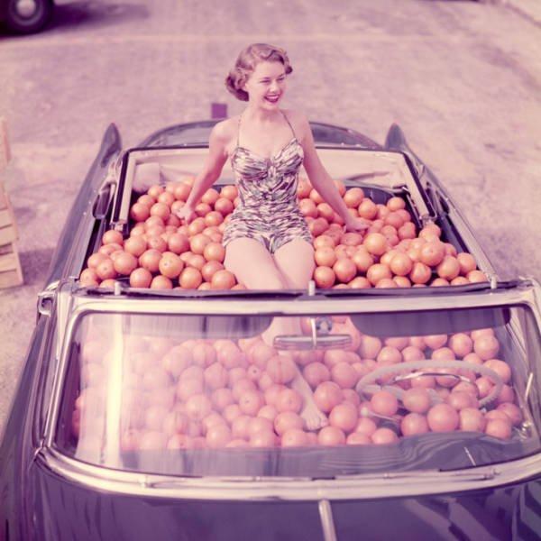 Retro Photos Of Women (22 pics)