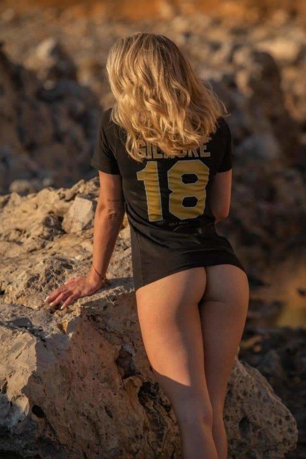 Girls & Sports (41 pics)