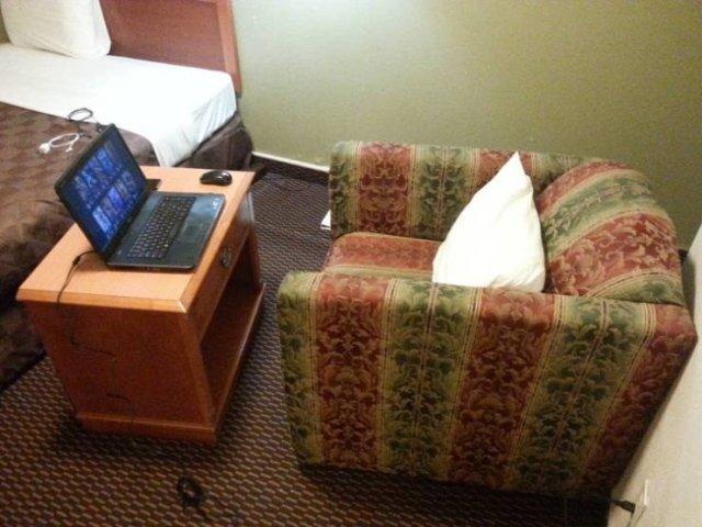Hotel Life Hacks (24 pics)