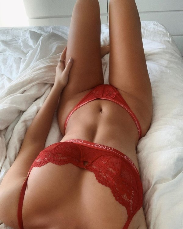 Staying In Bed (36 pics)