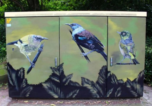 Artists Make Something Special From Telecommunications Cabinets (41 pics)