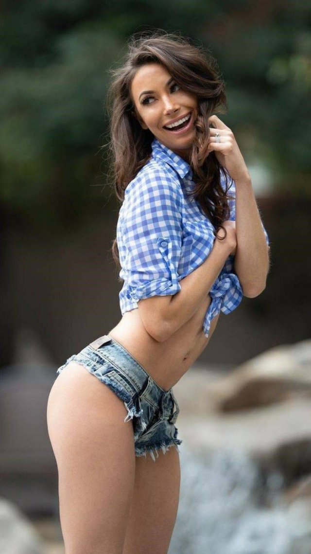 Girls In Short Shorts 52 Pics-5247