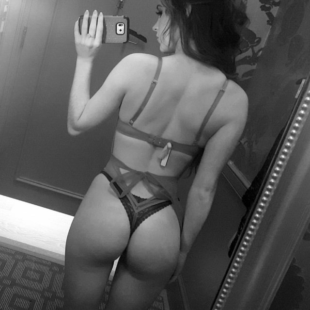 A View From Behind (40 pics)