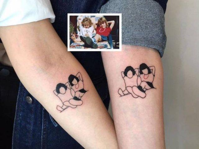 Incredible Minimalist Tattoos (30 pics)