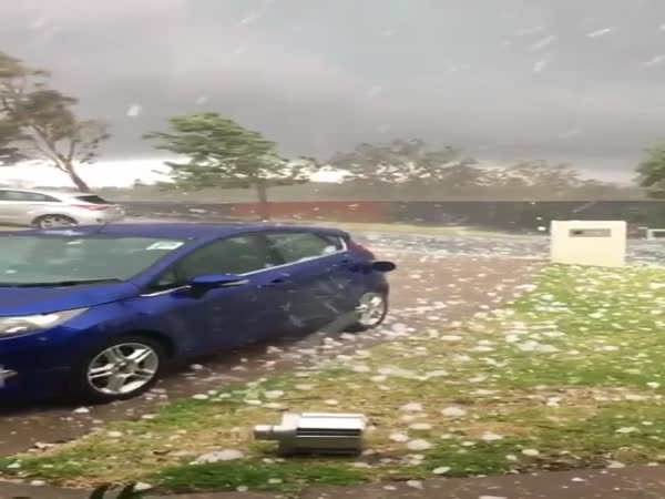 Monster-Hail In Australia