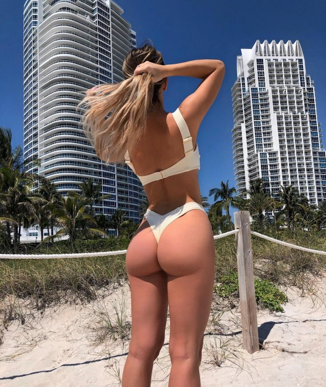 A View From Behind (39 pics)