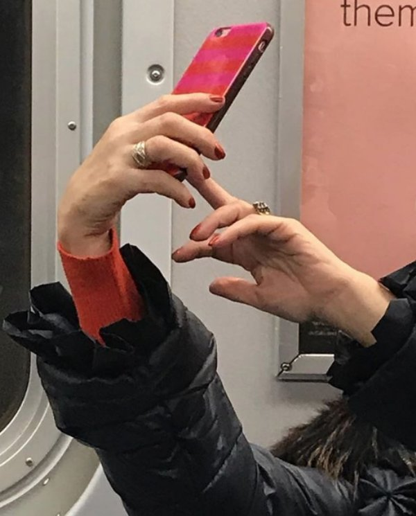 Unusual Hands In The Subway (35 pics)