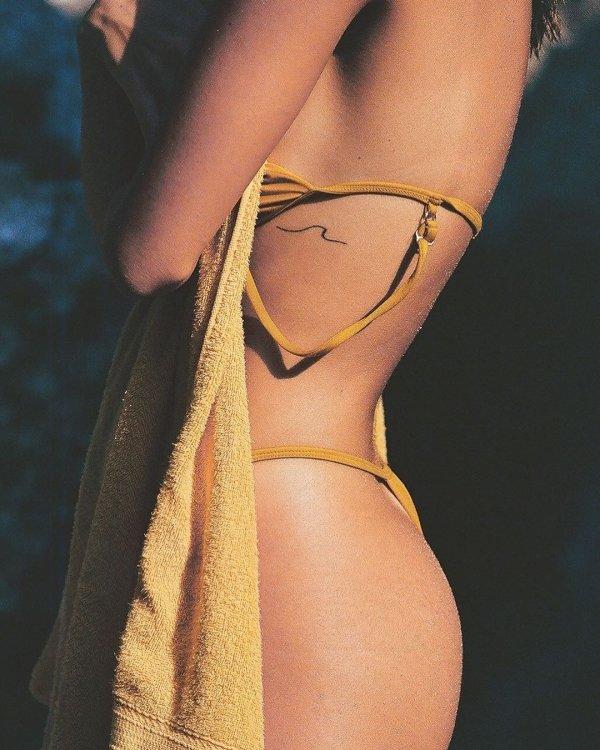 Girls In Bikinis (50 pics)