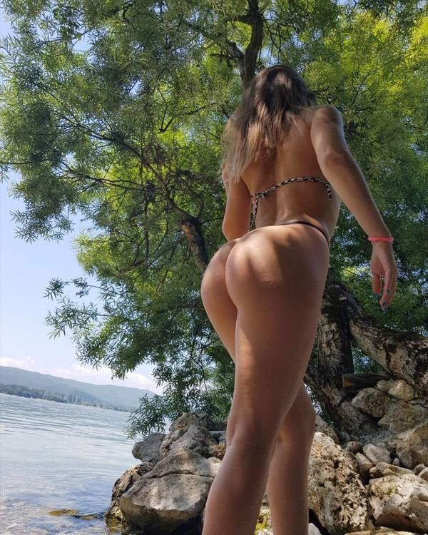 A View From Behind (32 pics)