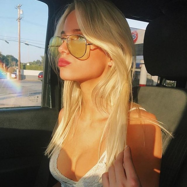 Girls In Glasses (48 pics)
