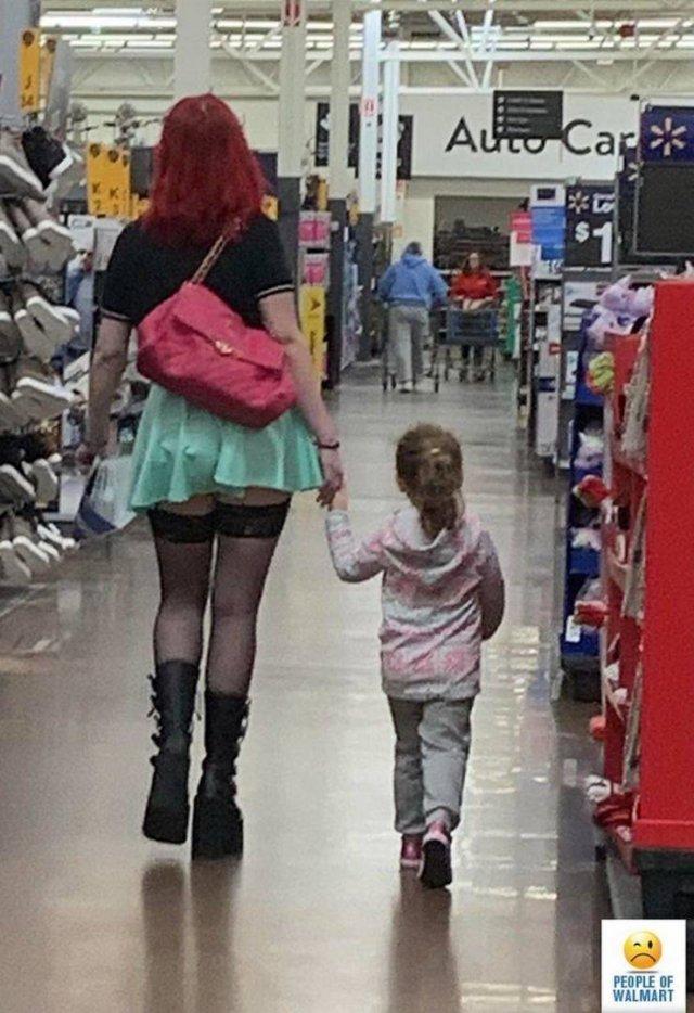 People Of Walmart (42 pics)