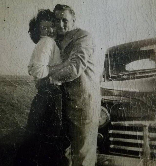 Gorgeous Old Family Photos (25 pics)