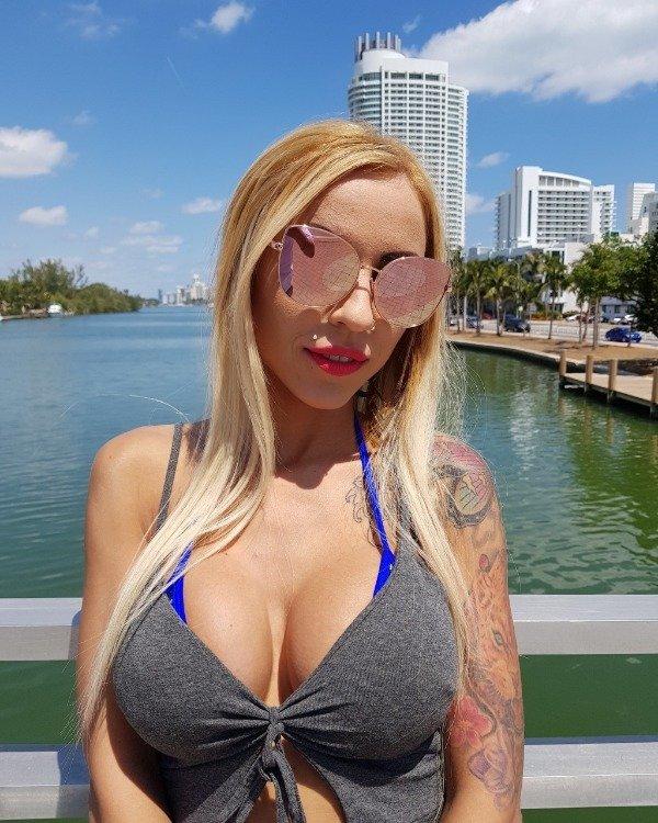 Tattooed Girls (30 pics)