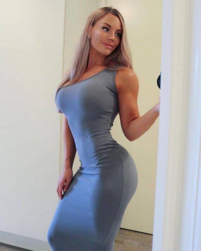 Beauties In Tight Dresses (55 pics)
