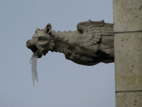 Gargoyles Had A Party (23 pics)