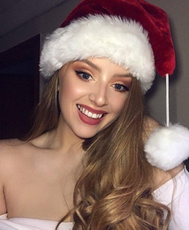 Christmas Beauties (59 pics)