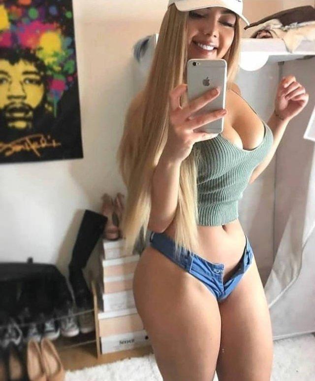 Hot Beauties (49 pics)