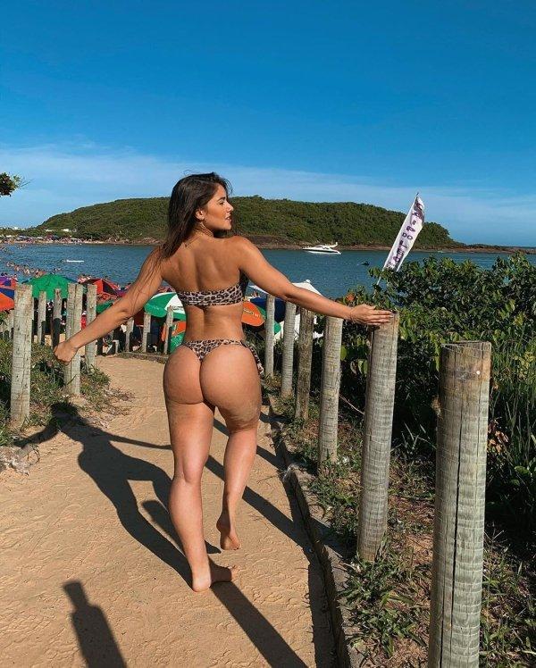 These Girls Got Perfect Hip:Waist Ratios (37 pics)
