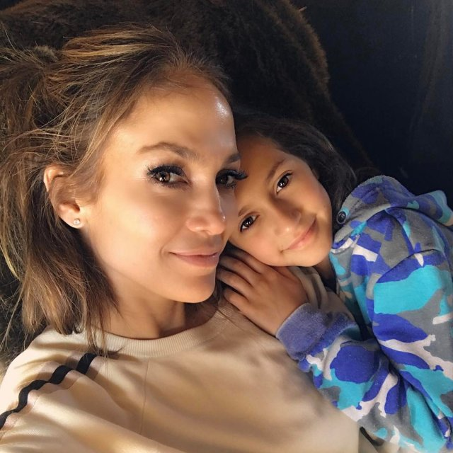 Celebrities With Their Kids (20 pics)