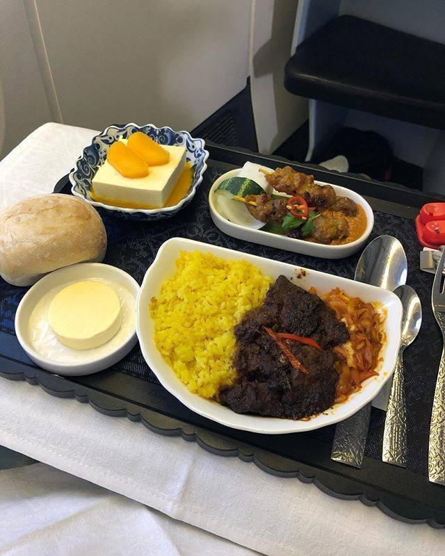 Different Airlines - Different Airplane Food (22 pics)